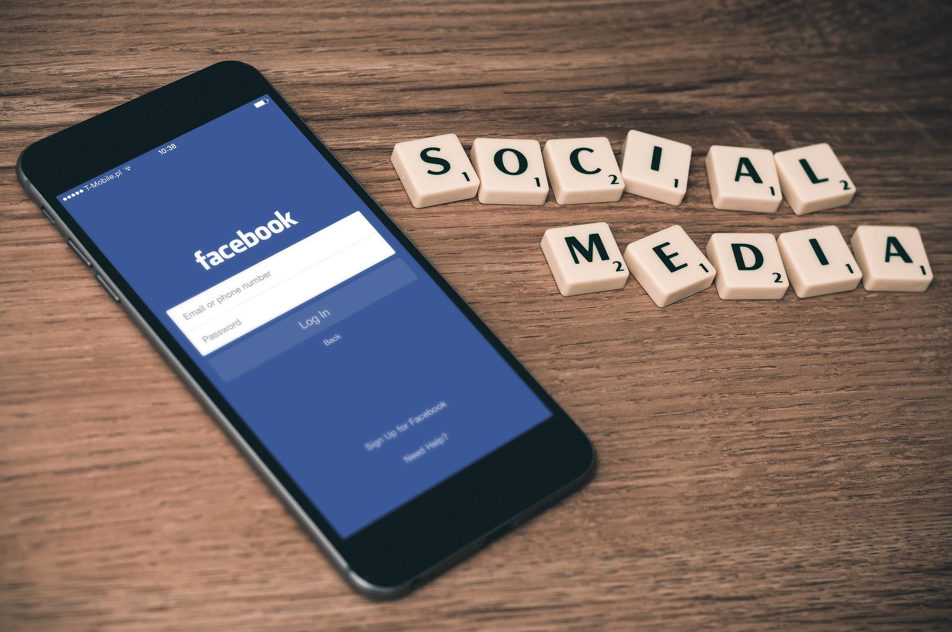 Facebook na skróty