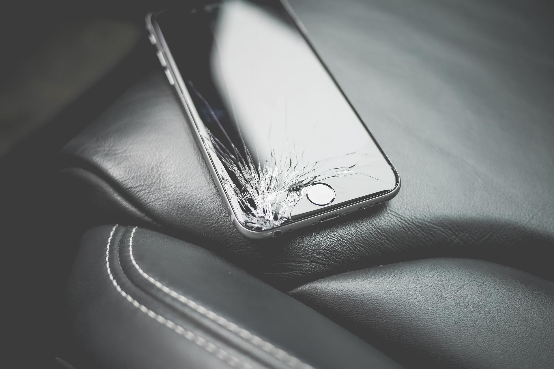 Naprawa smartfona na własną rękę
