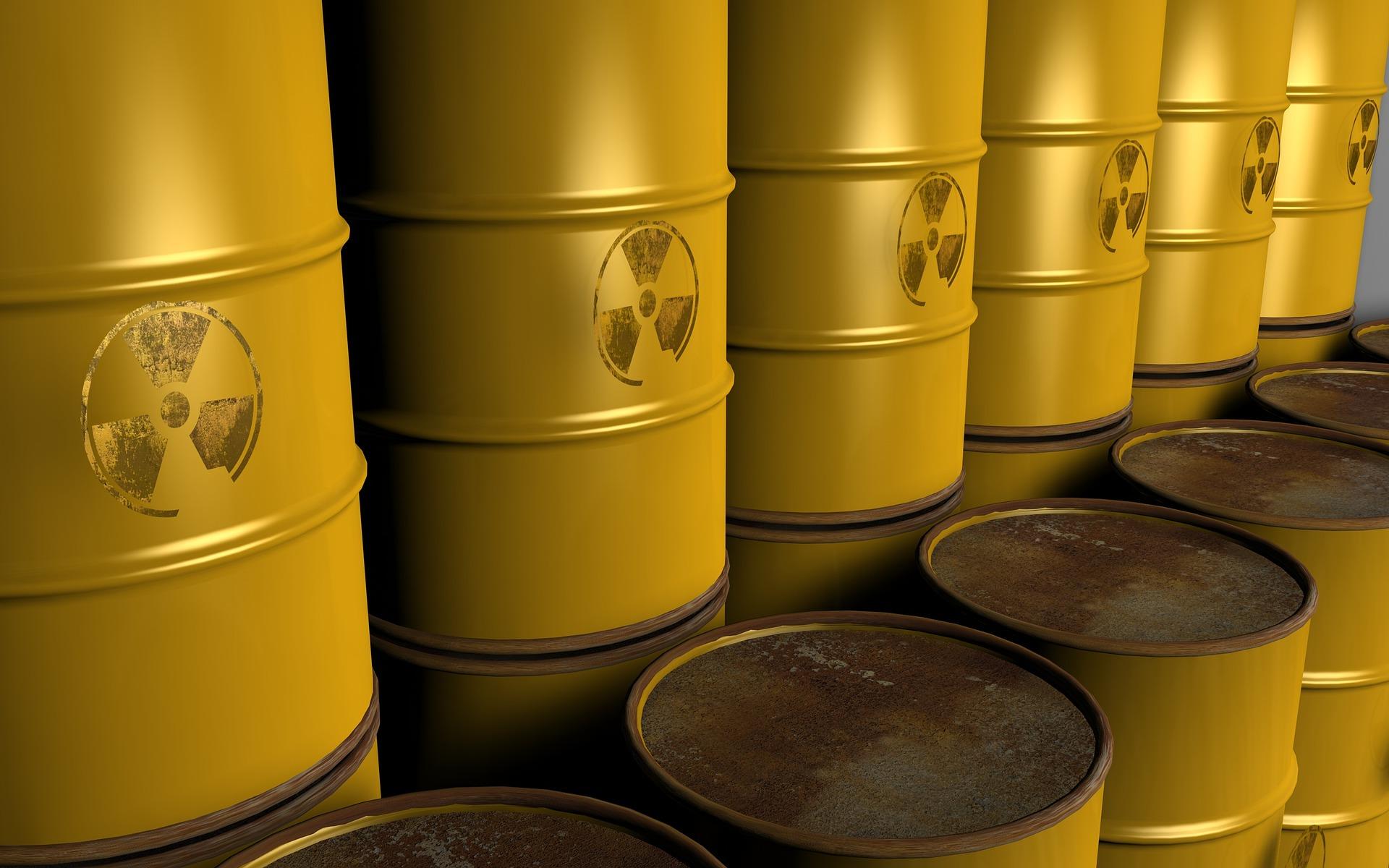 Zbiorniki na chemikalia – jak prawidłowo przechowywać materiały niebezpieczne?